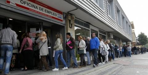 Bruselas alerta a España del alza de la desigualdad y la exclusión social
